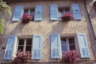 Home Windows  Provence  France - Personal Insurance